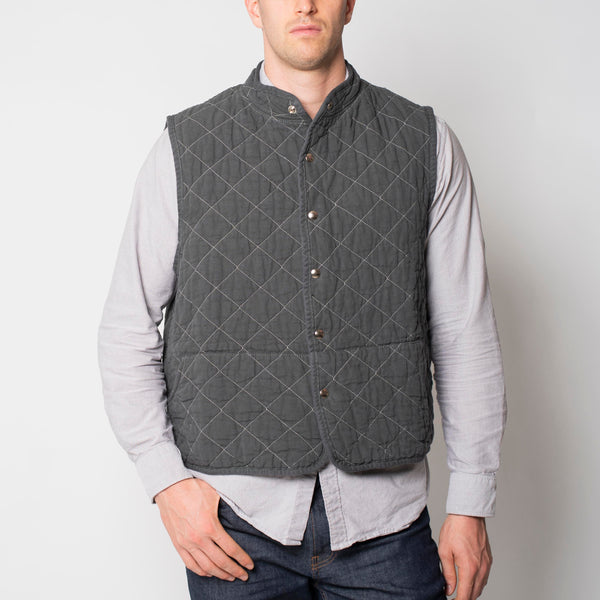 quilted snap vest- charcoal