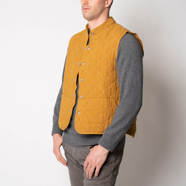 quilted snap vest- honey