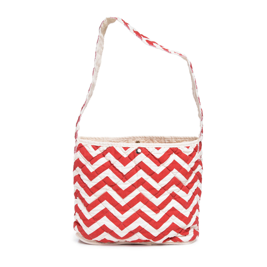 quilted feed bag - red zig zag