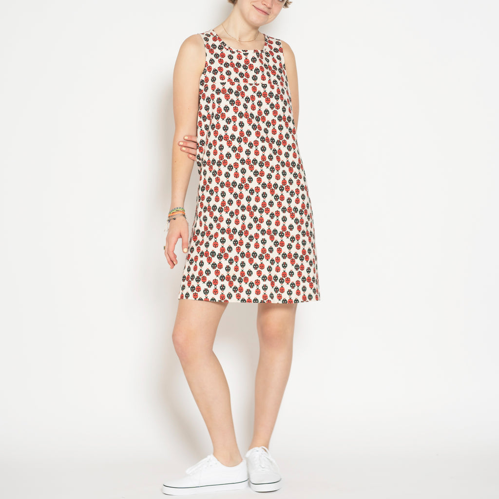 sleeveless shift dress - ladybug