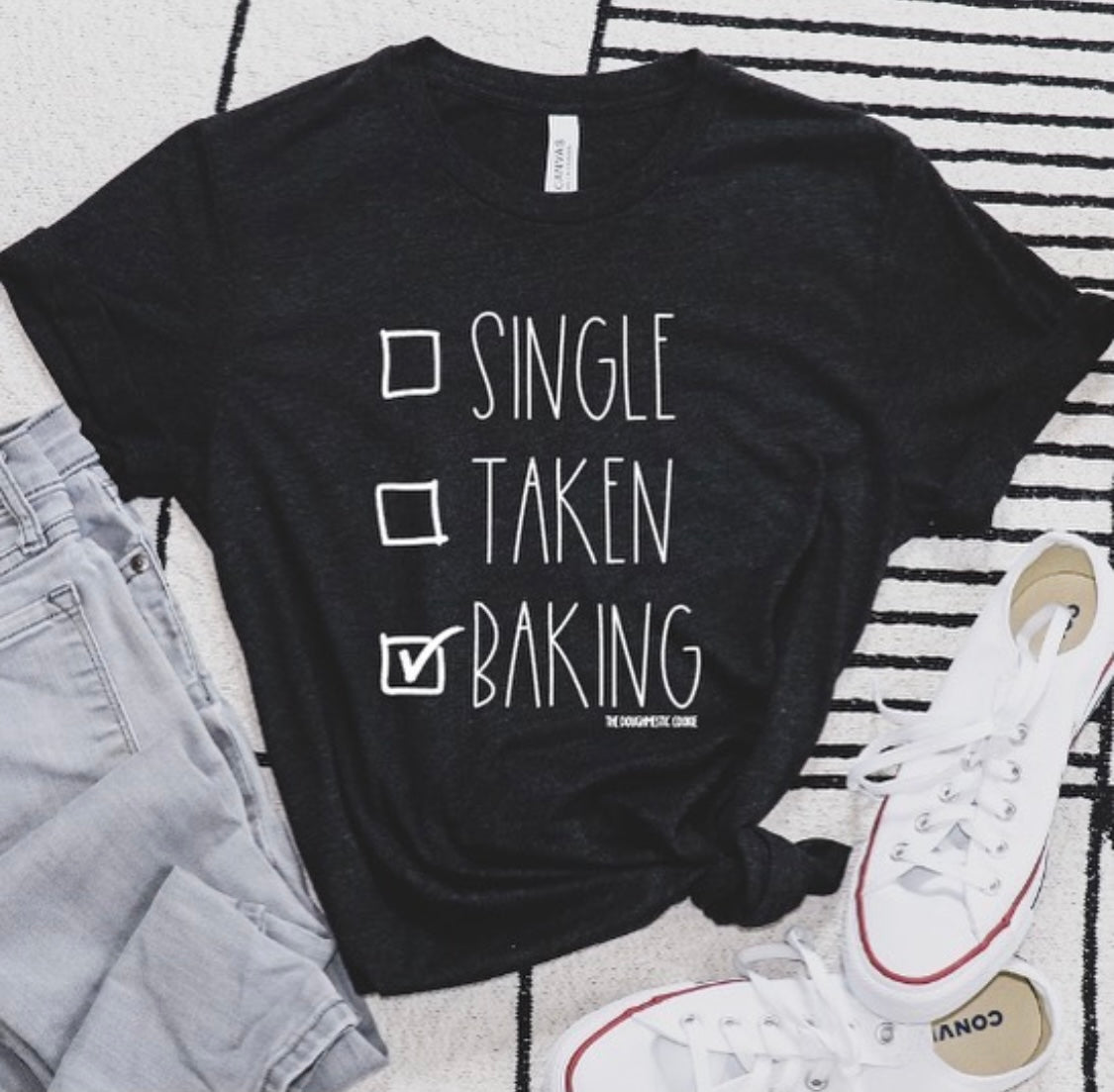SINGLE TAKEN BAKING Tee Black