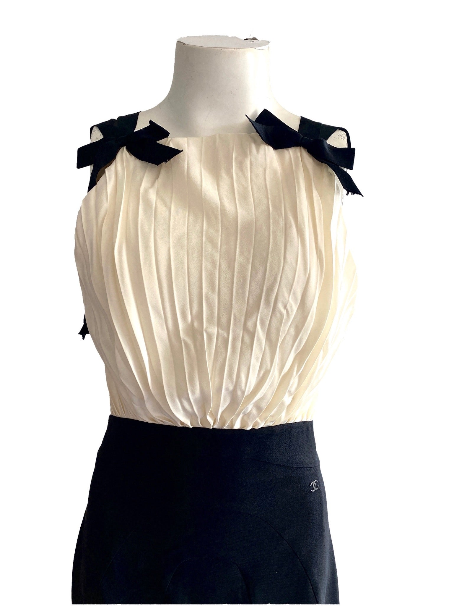 Chanel Ivory and Black Gown Size 38