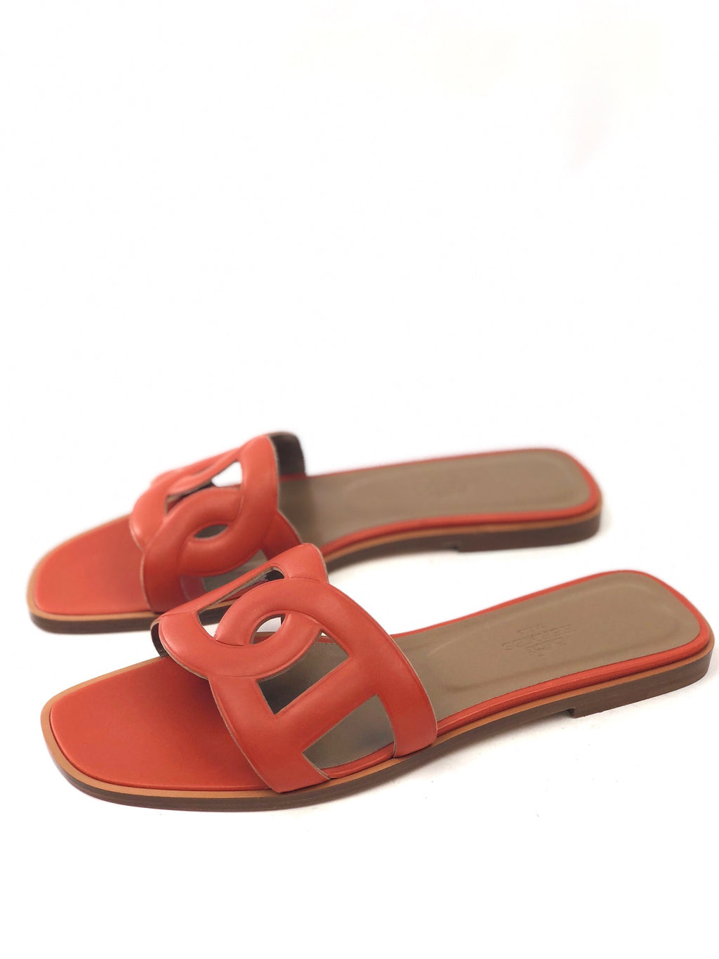 Hermès New Omaha Calfksin Sandals in Orange brûlée Size 37.5