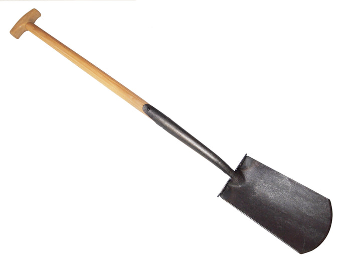 English type spade 750mm T bar Ash handle