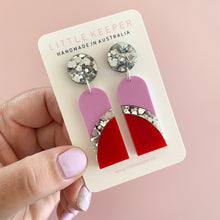 Load image into Gallery viewer, Curved Drop Earrings