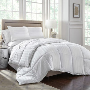 Open image in slideshow, Stearns and Foster Primacool 400 Thread Count Hypoallergenic Down Alternative Comforter