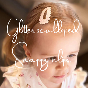 GLITTER SCALLOPED SNAPPY CLIPS - 46 COLOURS