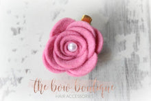 Load image into Gallery viewer, LARGE FELT FLOWER CLIPS WITH PEARLS (13 COLOURS)