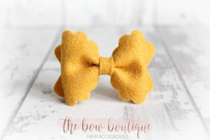 Small luxury scalloped felt bow clips (28 Colours)
