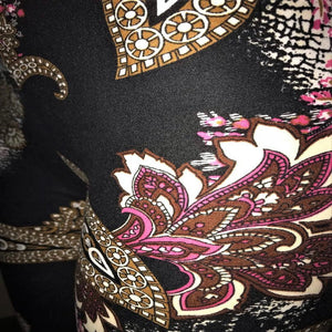 These are a close up of the black womens leggings with a floral design