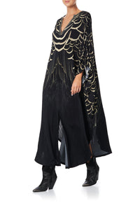 JERSEY LONG KAFTAN WITH ROUNDED HEM UNDER A FULL MOON
