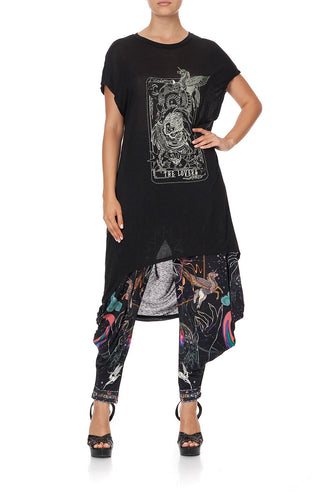LONG SCOOP BACK HEM T-SHIRT MOONLIT MUSINGS