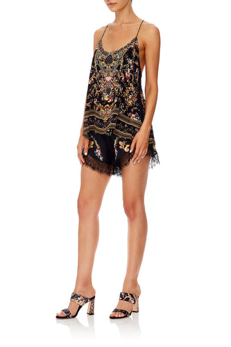LOOSE LACE HEM SHORT FRIEND IN FLORA