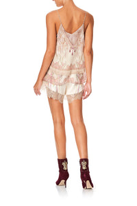 CAMILLA LOOSE LACE HEM SHORT GOLDEN AGE