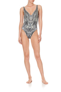 DEEP V NECK ONE PIECE ONE TRIBE