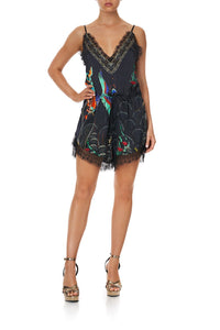 V-NECK LACE PLAYSUIT WISE WINGS