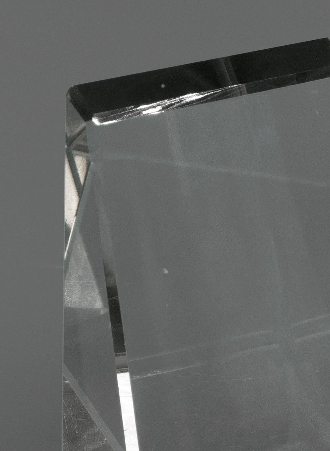 Trapezoidal Cristal Paperweight
