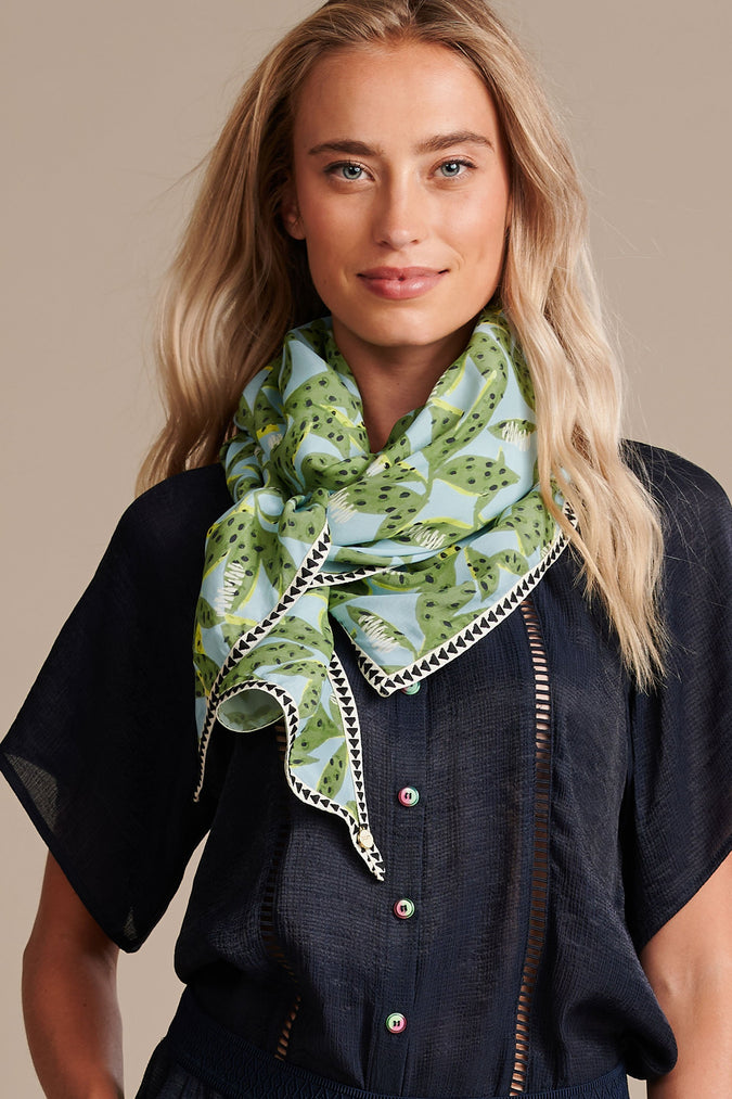 SCARF - Cheetah Leaves Blue
