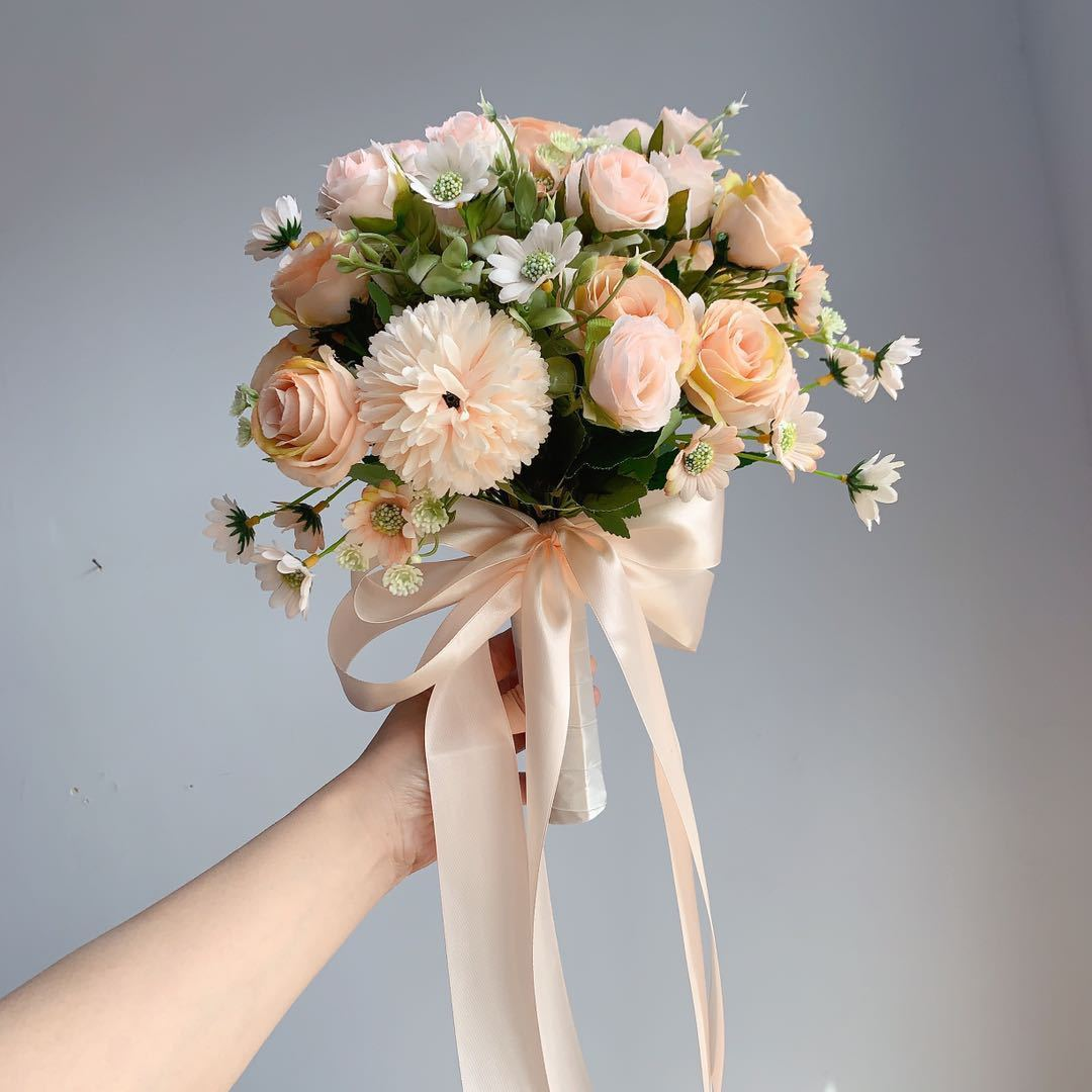 Bride Holding Flowers Simulation Wedding Bouquet Wedding Bouquet Champagne