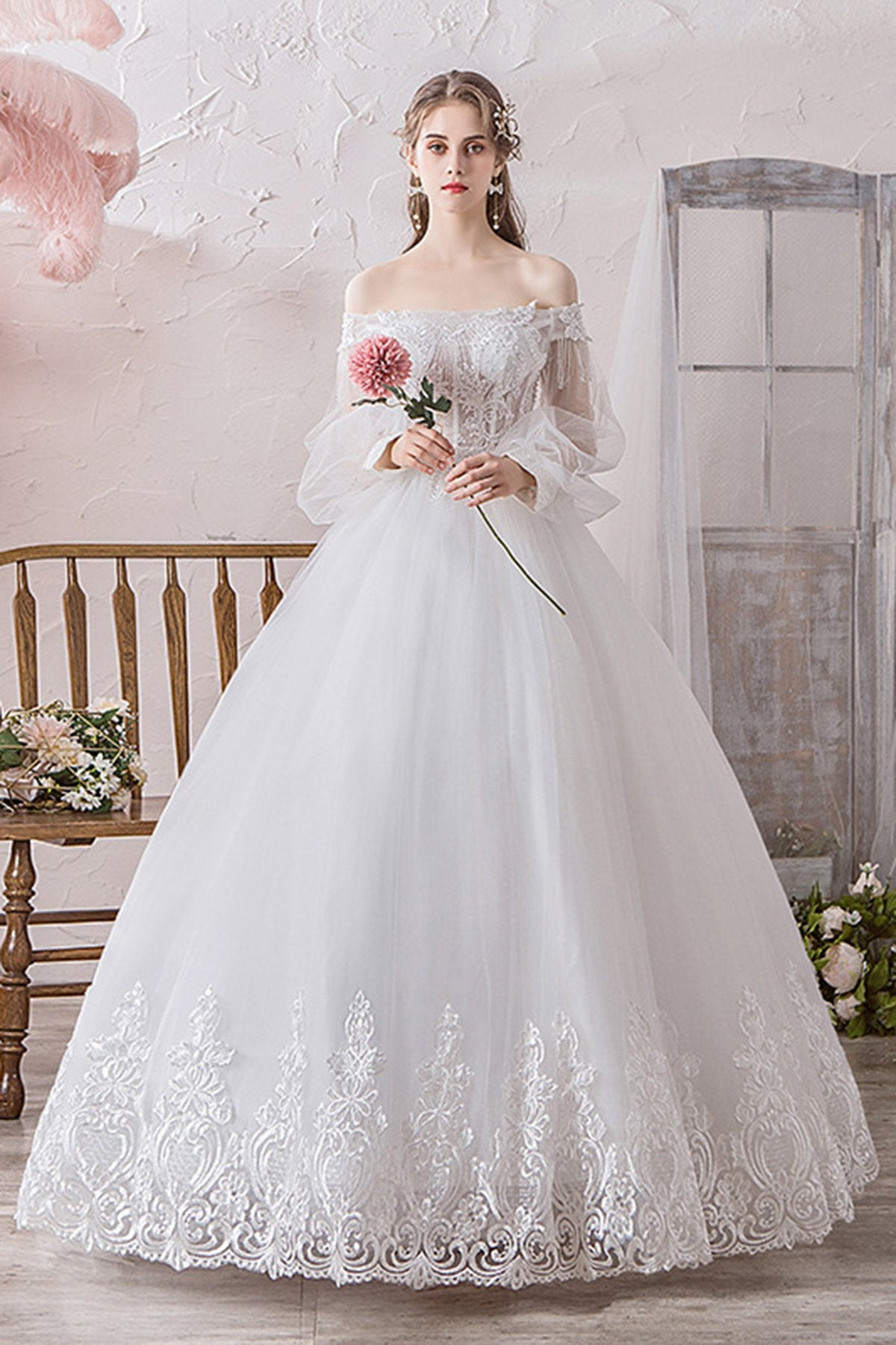 French Style Off Shoulder Tulle Wedding Dress For Wedding Trip Shot Wedding Dress S White