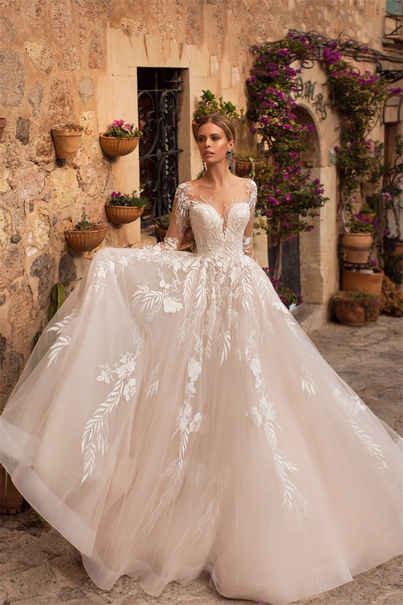 Lace Embroidered Sexy Deep V-Neck Open Back Wedding Dress Wedding Dress Contact customer service for customized size White