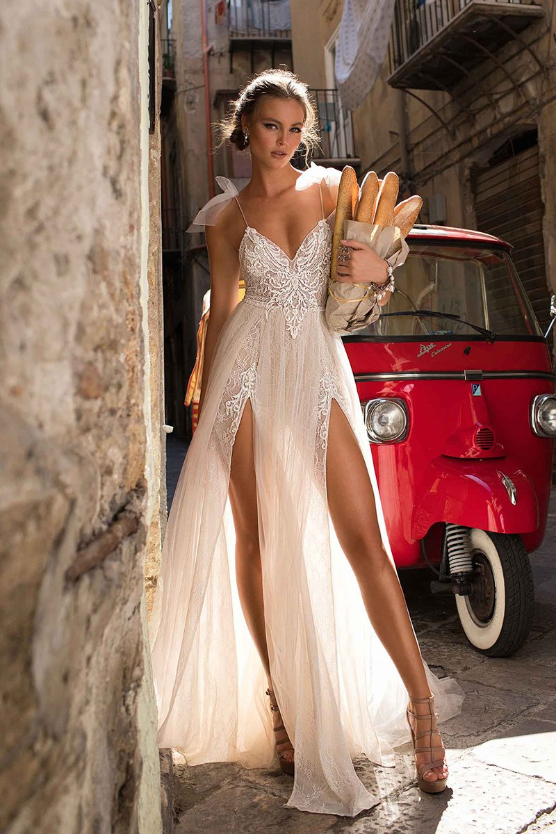 Sexy Deep V-neck Bride Travel Photography Wedding Dress Brides