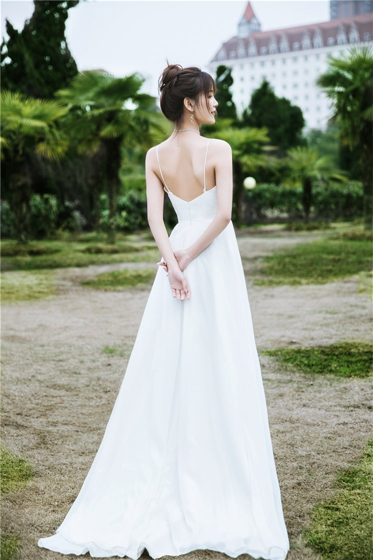Simple Suspender Wedding Dress V-Neck Brides