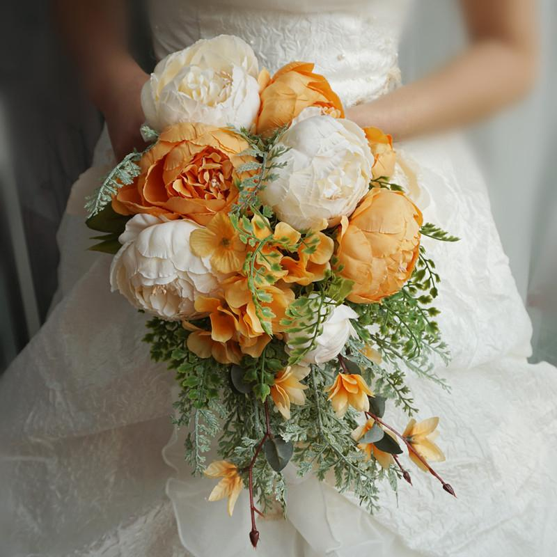 Simulation Bride Holding Flowers Wedding Bouquet Yellow Wedding Bouquet Yellow