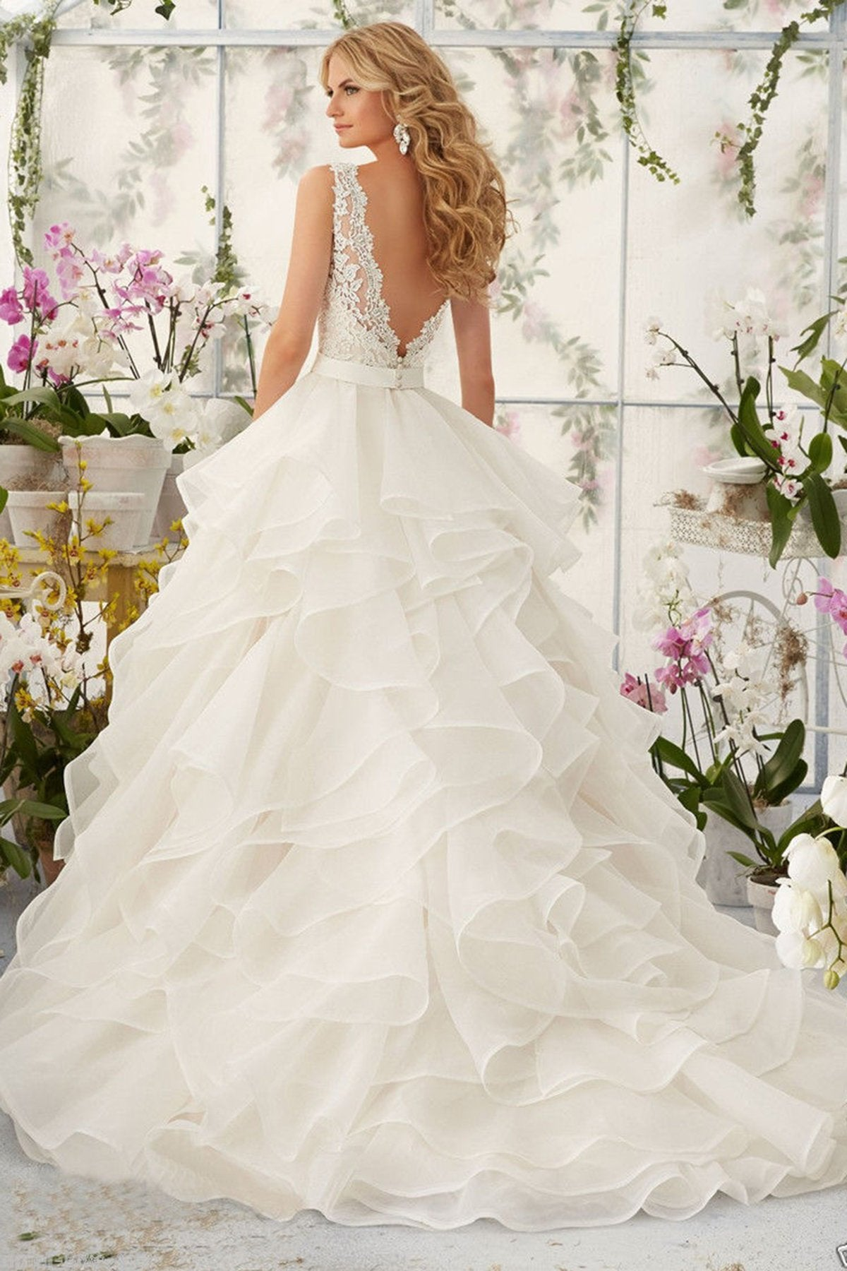 V-Neck Sexy Tiered Wedding Dress Wedding Dress