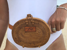 Load image into Gallery viewer, Rattan belt bag