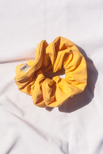 Load image into Gallery viewer, Scrunchie Banana