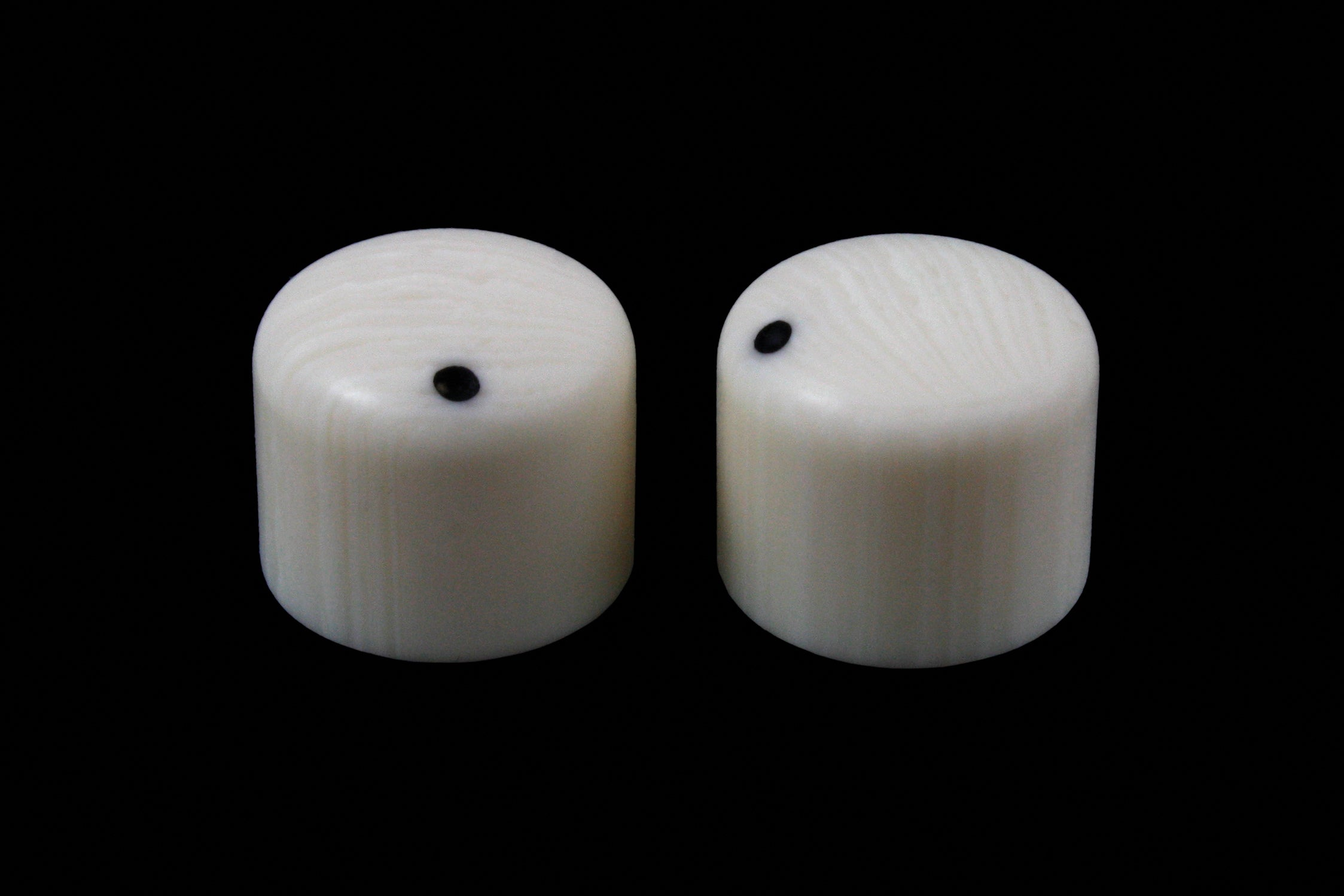 PK-3270 Set of 2 Simulated Ivory Knobs