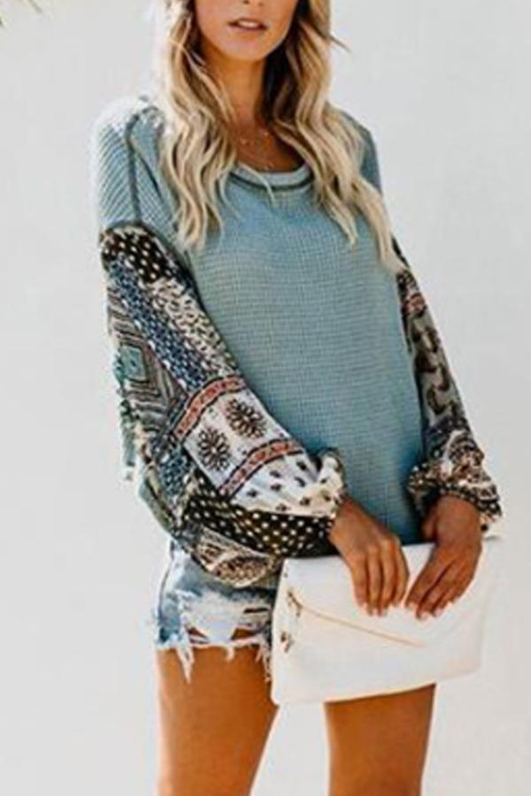 Round  Neck  Print  Sweaters Green l