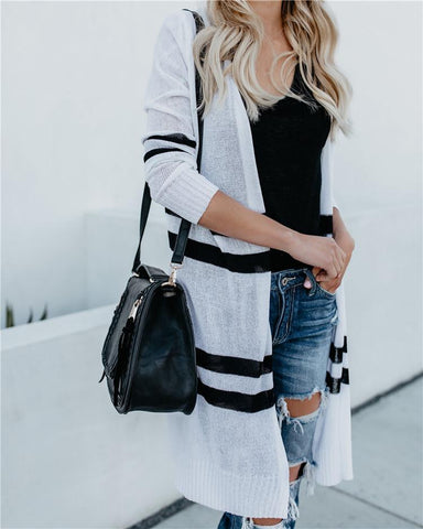 Image of A Light-Colored Cardigan Sweater White Black m
