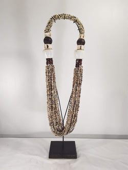 Shell Jewelry with stand, primitive - Sejati