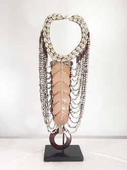 Shell Jewelry with stand 22 inch - Sejati