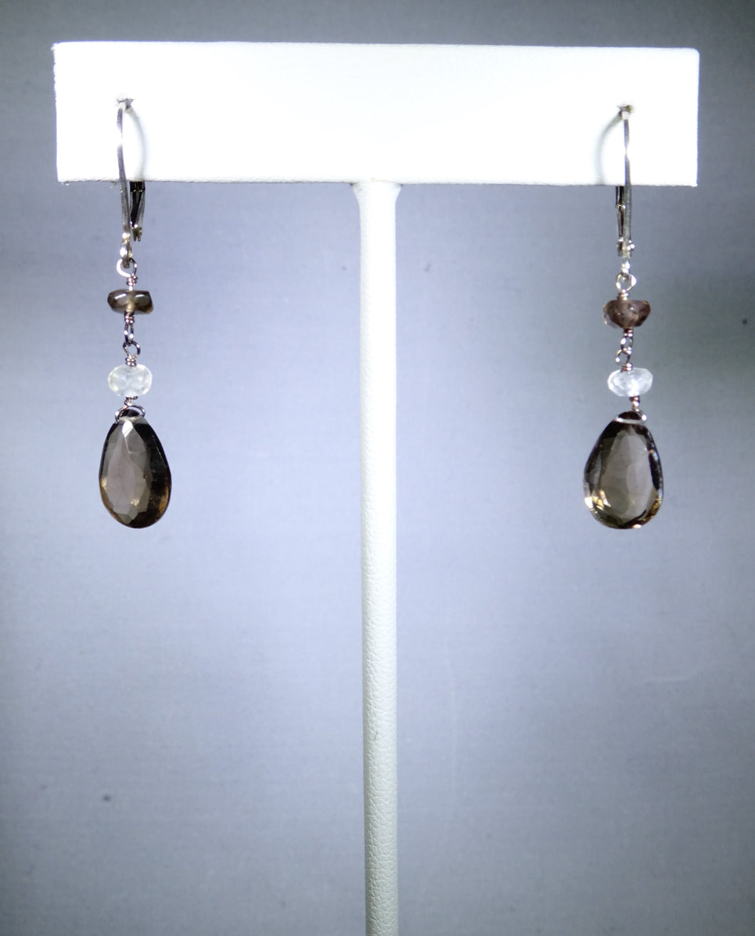Sterling silver earring, gray/brown drop