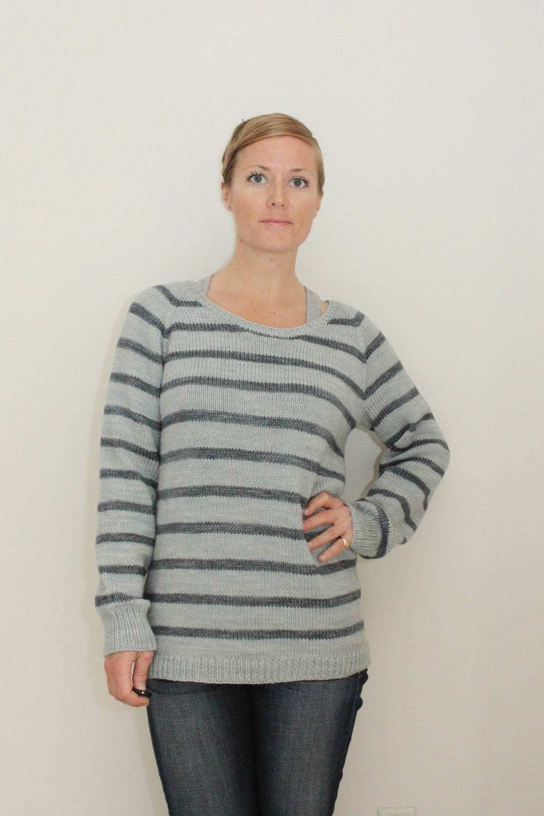 Off the Needles /// Striped Pullover on www.janerichmond.com