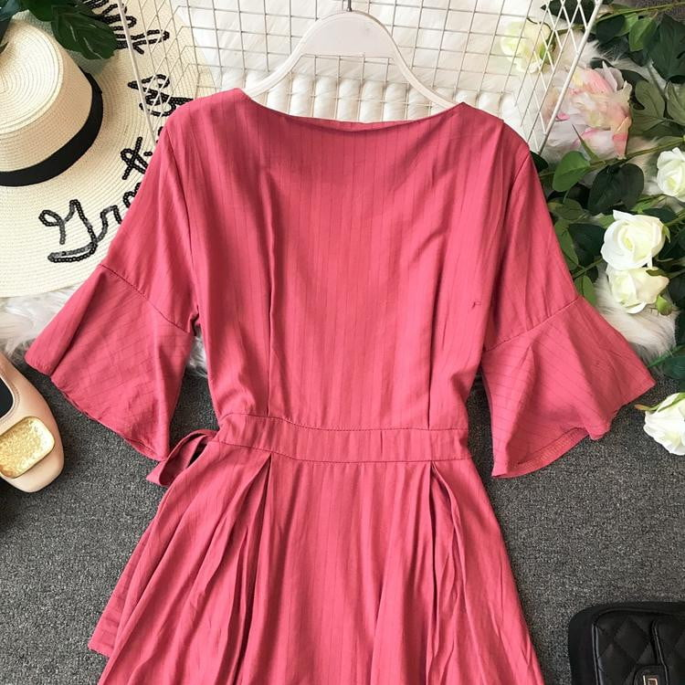 Sukol Thin Temperament V Collar Retro Short Flare Sleeve Solid Color Casual Dress - klozetstyle.com