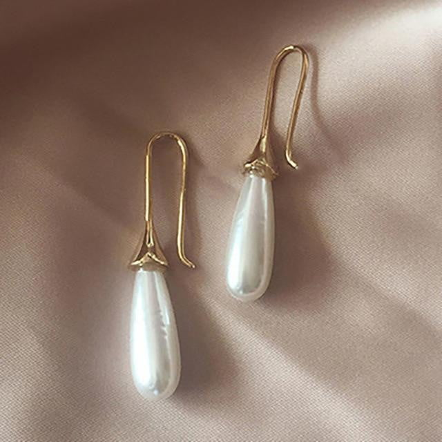 White Teardrop Simulation Pearl Earrings Dangle Baroque Palace Style Jewelry - klozetstyle.com