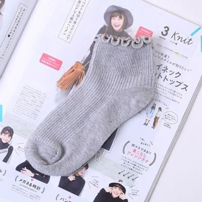 Fashion Lace Ruffles Soft Cotton Women Socks - klozetstyle.com