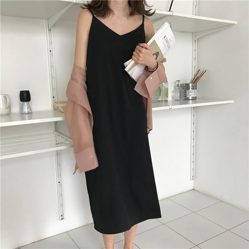 Loose Sleeveless V-neck Sling Long Dress - klozetstyle.com
