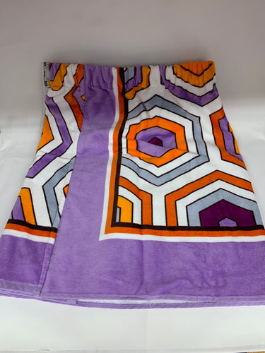 Geometric towel wrap