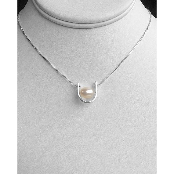 U-Shaped Pearl Necklace