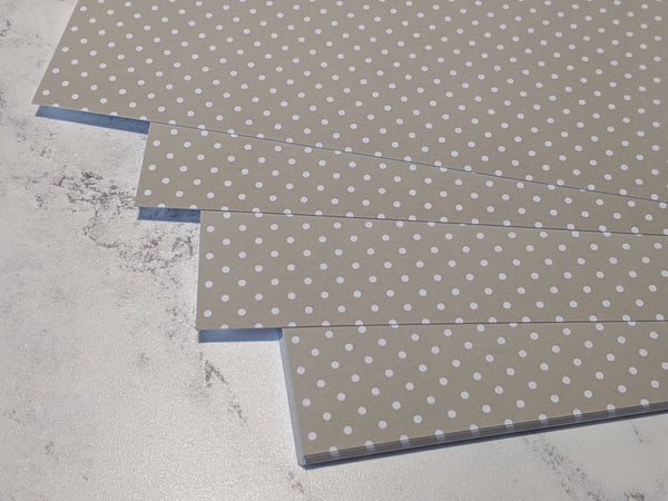 A4 Smooth card 280 gsm : Dotty pattern