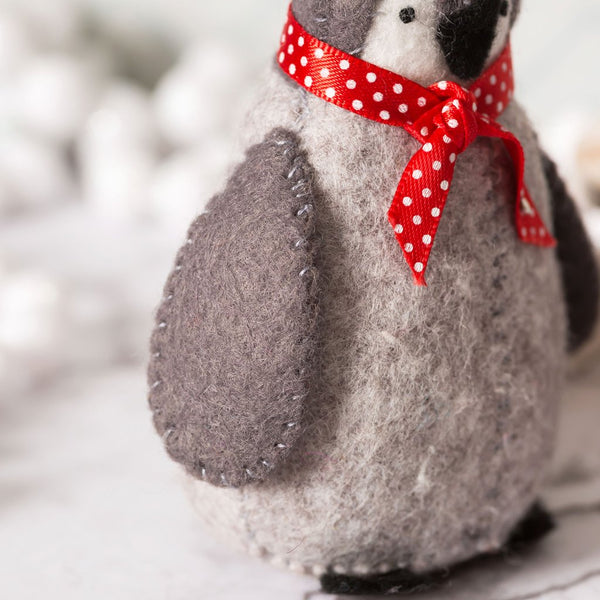 Corinne Lapierre : Baby Penguins Felt Craft Kit  Everything you need to make three felt Baby Penguins is in the box.