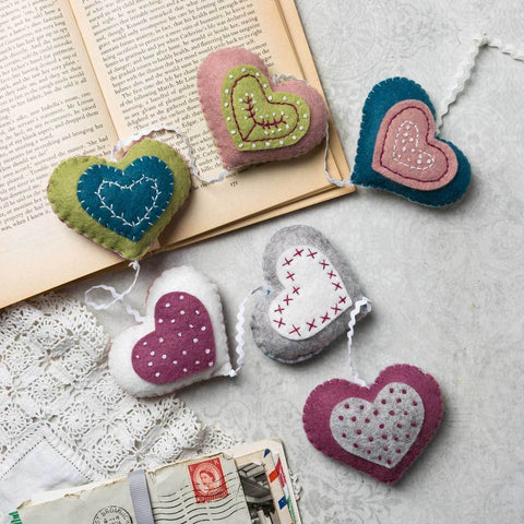 Corinne Lapierre : Vintage Heart Garland Felt Craft  A true celebration of love and friendship, this kit contains everything you need to make six felt Vintage Hearts