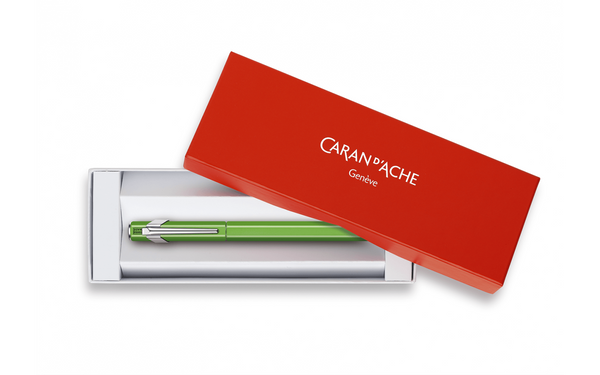 Caran d'Ache : 849 : METAL FOUNTAIN PEN : Green