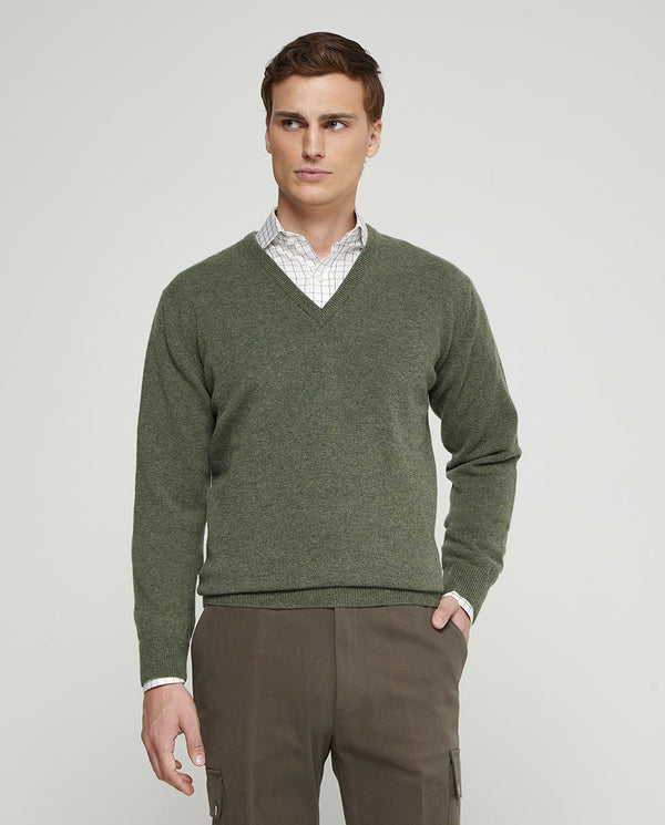 JERSEY LAMBSWOOL CUELLO PICO VERDE MUSGO by MIRTO