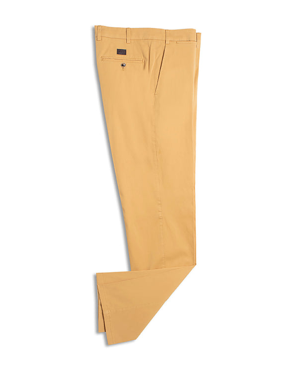 PANTALON CASUAL DE ALGODON MOSTAZA by MIRTO